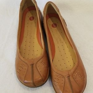 NWOT 8 1/2 Narrow Clark's Un Structured Loafers